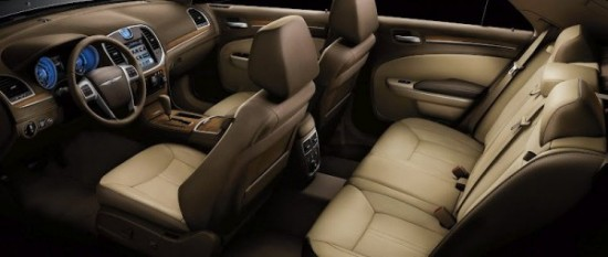 Десятка лучших интерьеров автоновинок 2012 Chrysler 300 Luxury
