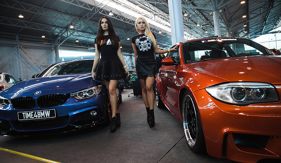 Girls & BMW Cars